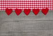 Bayerische Herzerln in Rot als Schild
