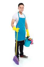 Mężczyzna sprzątanie