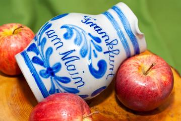 Echter Frankfurter Bembel für hessisches Kultgetränk Apfelwein