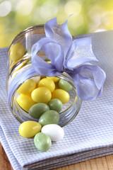 zuckereier im schraubglas mit schleife