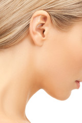 picture of woman's ear
