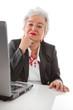 Ältere Dame hat Freude am Job - isoliert