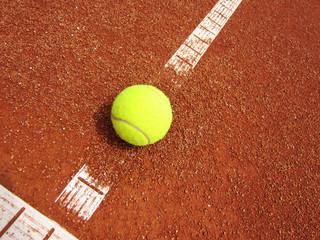 Tennisplatz Linie mit Ball 60