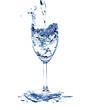 frisches Wasser im Wasserglas
