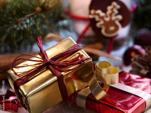 Kleine Geschenke auf dem Gabentisch