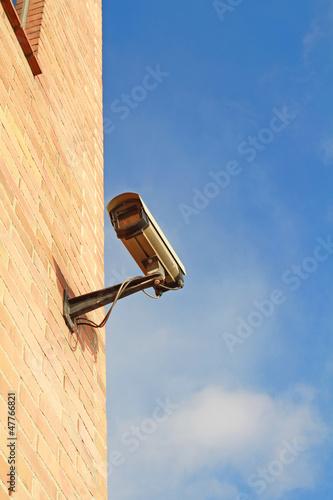 Überwachungskamera an Haus