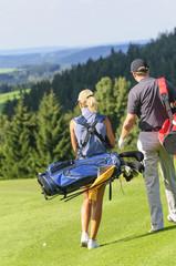 Beim Golfspiel