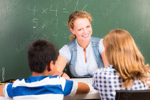 schulunterricht in der grundschule