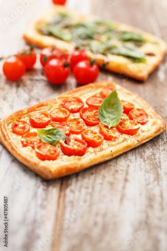 Quiche with tomato and ricotta
