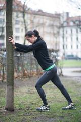 Frau beim Sport in der Natur
