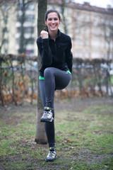Sportlerin bei einer Übung