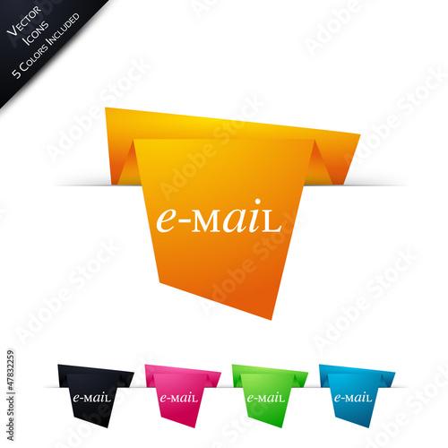 Symbole vectoriel papier origami Contact / E-mail
