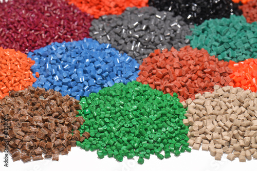 dyed plastic granulate