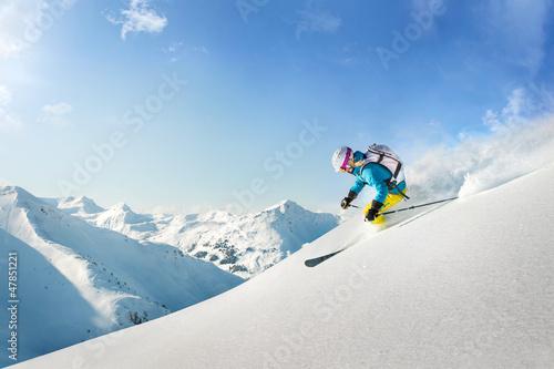 Papiers peints Glisse hiver Female freeride skier