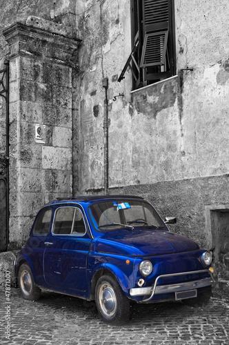Vintage car. - 47871200