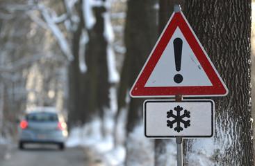 achtung schneeglätte
