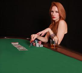 junge Frau im Casino