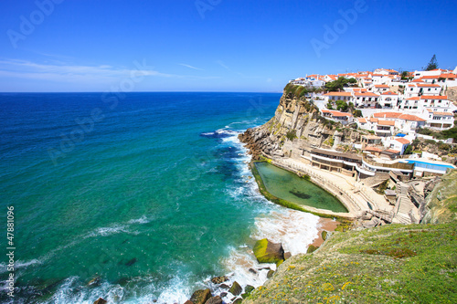 Azenhas do Mar white village, cliff and ocean, Sintra, Portugal.