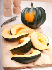 Whole acorn squash and cut pieces
