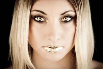Oro - ragazza golden make up