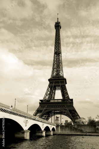 Eiffel tower, Paris, France © Francisco Javier Gil