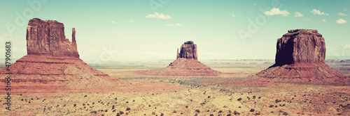 panomaric view of Monument Valley - 47901683