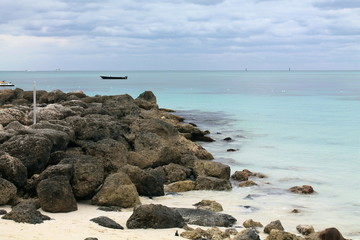 Lucayan Beach on the rocks