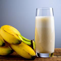 frullato alla banana - banana milkshake