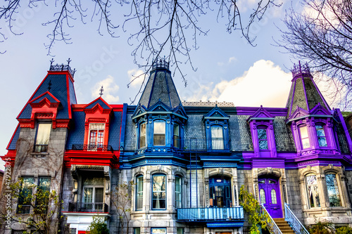 Part of the Victorian homes with roof color in Montreal
