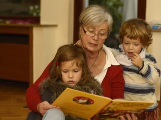 Granny Reads Out to Grandchildren 2