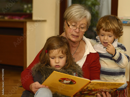 Granny Reads Out to Grandchildren 2