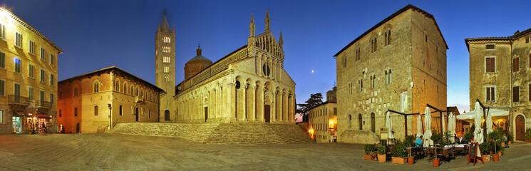 Massa Marittima, piazza Garibaldi e cattedrale