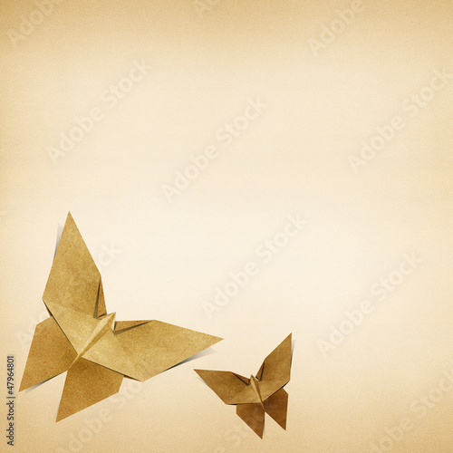 Deurstickers Geometrische dieren Origami butterfly made from Recycle Paper