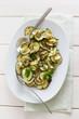 Platte mit Zucchini Antipasti