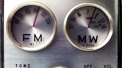 stopmotion of a very old vintage transistor radio