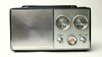 stopmotion of a very old vintage transistor radio