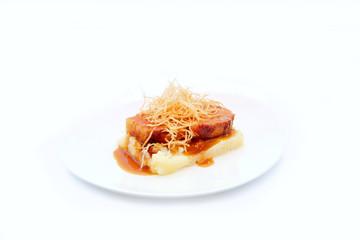 porc braisé, purée et chips vermicelles  # 30