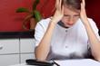 Leinwanddruck Bild - schwester mit burnout und kopfschmerz