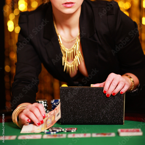 Lady am Pokertisch