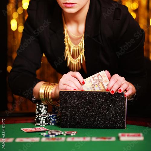 Lady am Pokertisch