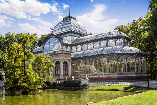 Leinwanddruck Bild Crystal Palace in the Retiro Park, Madrid, Spain