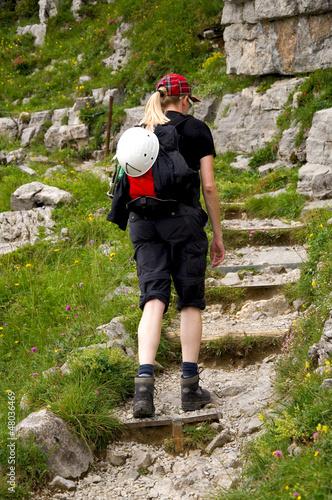 Wanderin in den Alpen