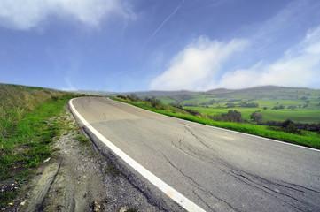 strada in collina