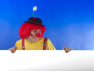 Clown mit weißem Schild