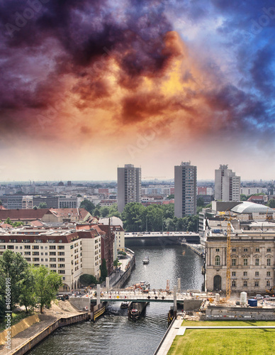 Poster Aerial view of Berlin and Spree River in a beautiful summer day