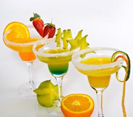Fruchtige Cocktails mit Obst