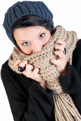 ritratto di ragazza con cappello e sciarpa