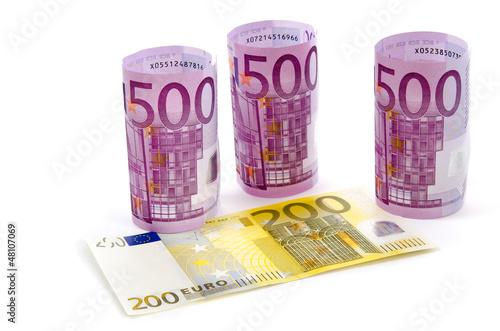 200 und 500 Euro Banknoten