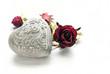 Valentinskartenmotiv Steinherz mit Rose
