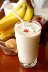 Peanut Butter and Jelly Smoothie_Vertical